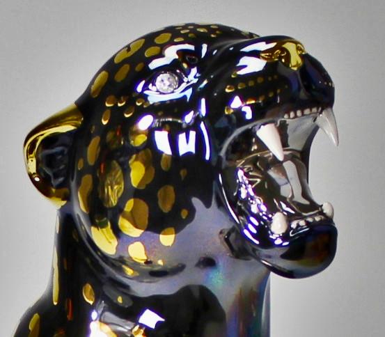 Panther mit goldenen Flecken