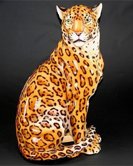 Mouth closed jaguar