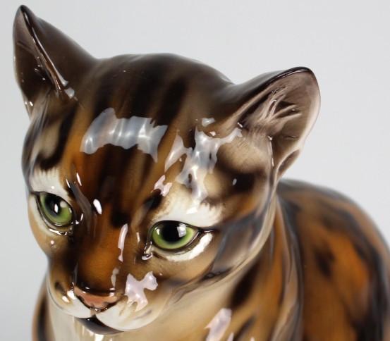 Tabby cat statue
