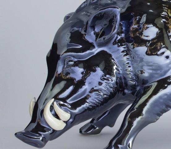 Metal effect colour Hog (white tushes)